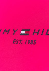 Tommy Hilfiger Curve - REGULAR TEE - Print T-shirt - bright jewel - 2