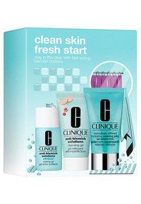Clinique - BREAK UP WITH BEAKOUTS - Skincare set - - - 2