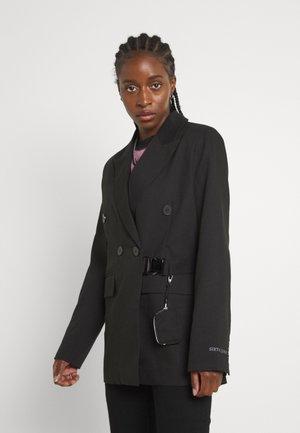 BAG JACKET - Krótki płaszcz - black