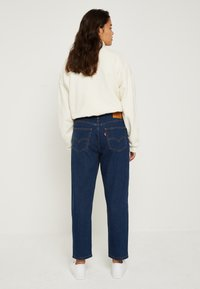 Levi's® - LOOSE TAPER CROP - Jeans relaxed fit - middle road - 3