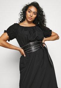 ONLY Carmakoma - CARLUCIA OFFSHOULDER CALF DRESS PLUS - Korte jurk - black - 4