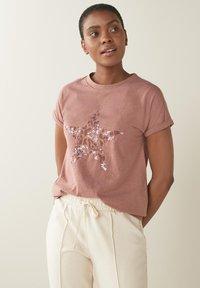 Next - STAR - Print T-shirt - pink - 0