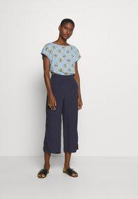 Esprit - TEE - T-shirts med print - light blue - 1