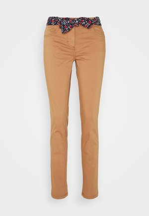 ALEXA SLIM - Slim fit jeans - light chestnut