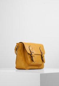 Even&Odd - Across body bag - mustard - 3
