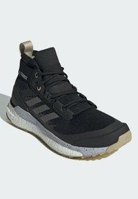 adidas Performance - TERREX FREE HIKER PRIMEBLUE WANDERSCHUH - Fjellsko - black - 2