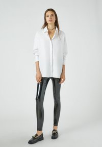 PULL&BEAR - Button-down blouse - white