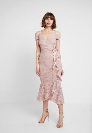 NIAHM - Společenské šaty - blush