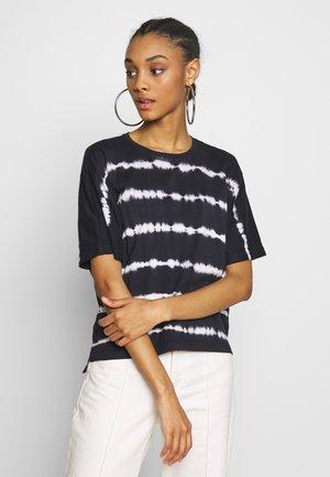 ONYSALLY - T-shirt con stampa - navy blazer