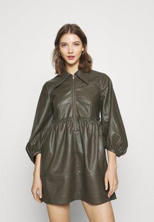 ZIP DRESS - Sukienka koszulowa - khaki