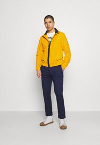 Tommy Jeans - ESSENTIAL CASUAL  - Tunn jacka - orange - 1