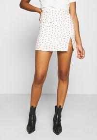 Glamorous - STRAWBERRY SKIRT - Mini skirt - white - 0