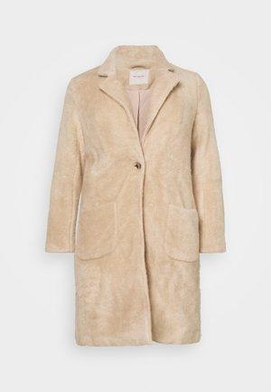 CARCLAIRE COAT - Klasický kabát - warm taupe