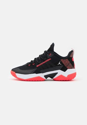 ONE TAKE II - Basketball shoes - black/bright crimson/white