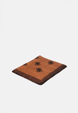 SCARF - Huivi - brown/multi