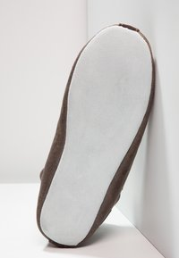 Shepherd - LINA - Slippers - oiled antique - 5