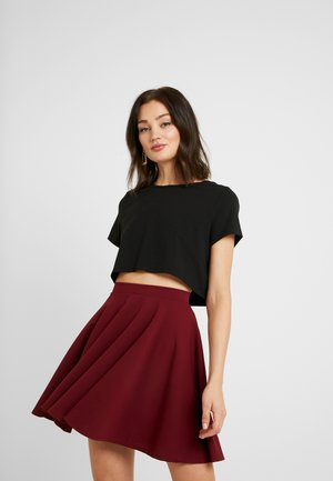 Pamela Reif x NA-KD RAW HEM CROPPED - Basic T-shirt - black