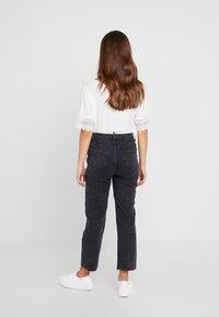 New Look Petite - STRAIGHT CROP HARLOW - Jeans Straight Leg - black - 2