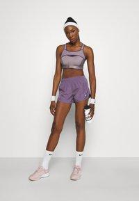Nike Performance - TEMPO - Sports shorts - amethyst smoke/silver - 1