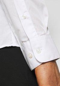 Jack & Jones - JJJOE 2 PACK - Camicia - black/white - 4