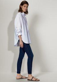 Massimo Dutti - MIT MITTELHOHEM BUND - Jeans Skinny Fit - blue - 3