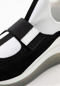Sportmax - ZOE - High-top trainers - rosa/bianco/nero - 2