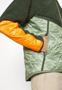 Nike Sportswear - WINTER - Winter jacket - vintage green/spiral sage/kumquat - 3