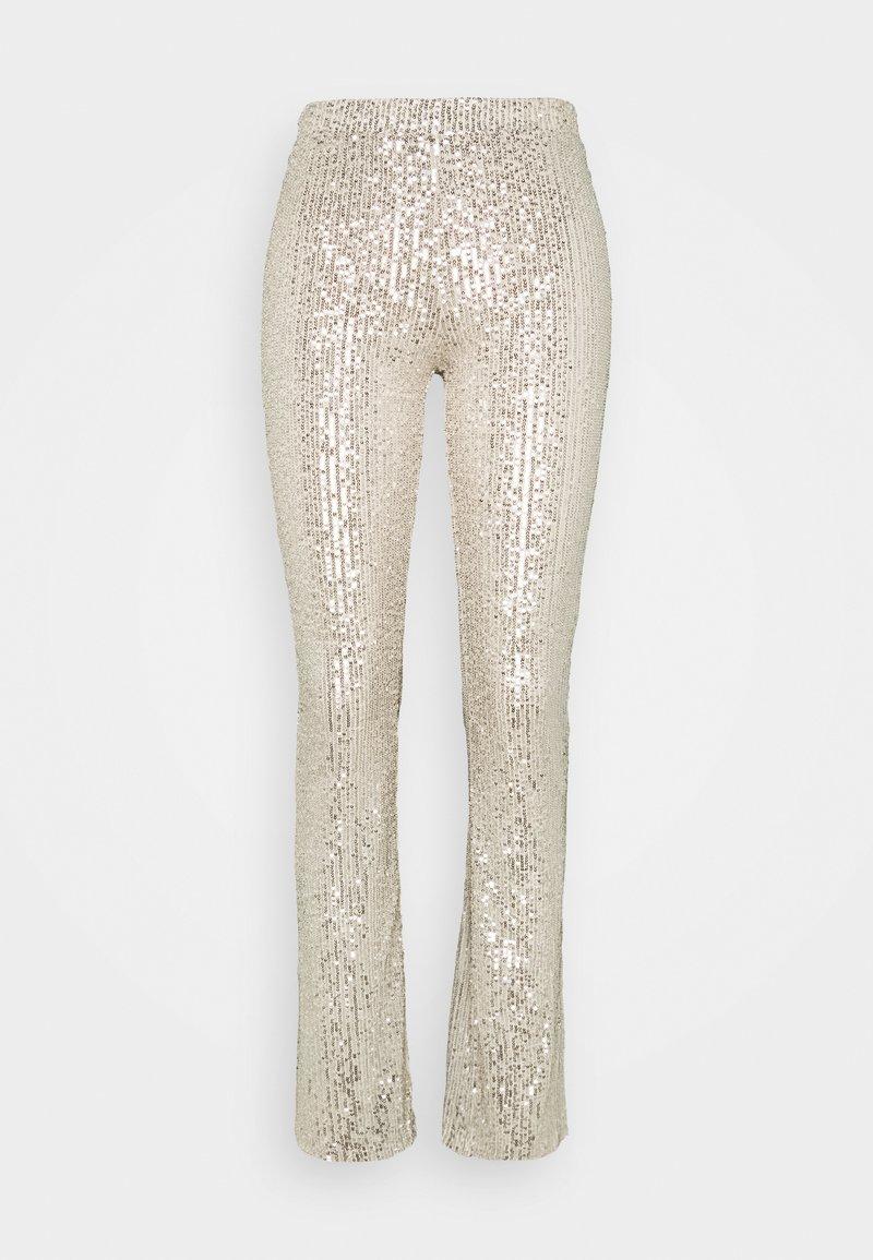 Pieces - PCDELPHIA FLARED PANTS - Pantalon classique - carry over