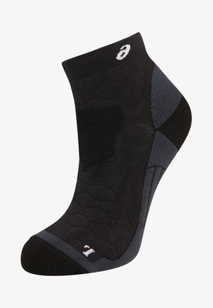 ROAD QUARTER - Sports socks - performance black