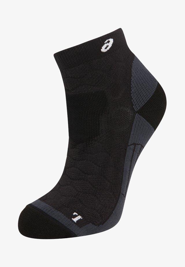 ROAD QUARTER - Sports socks - performance black