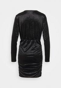 Vero Moda - VMKAITI DRESS - Sukienka koktajlowa - black - 1