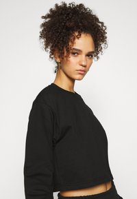 Missguided Tall - CROP JOGGER COORD set - Sweatshirt - black - 5