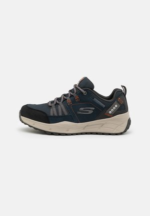 EQUALIZER 4.0 TRAIL - Sneaker low - navy/orange