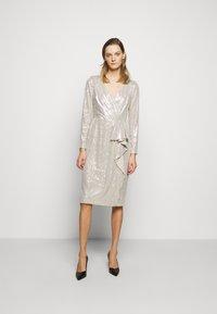Lauren Ralph Lauren - MILLBROOK DRESS - Koktejlové šaty/ šaty na párty - silver frost shin - 0