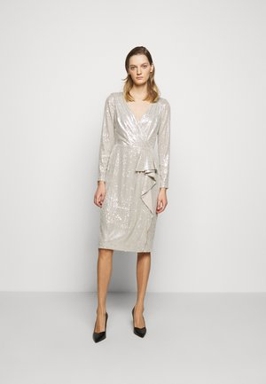 MILLBROOK DRESS - Cocktail dress / Party dress - silver frost shin