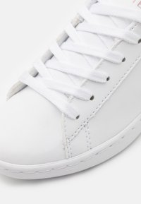 Lacoste - CARNABY EVO - Trainers - white/light pink - 5