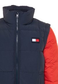 Tommy Hilfiger - ZIP OFF PADDED  - Winter jacket - blue - 3