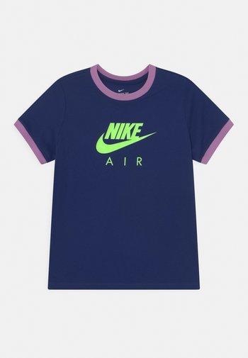 RINGER TEE - Print T-shirt - blue void/violet shock