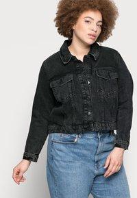 Vero Moda Curve - VMMIKKY SHORT JACKET - Denim jacket - black - 3