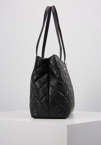 Valentino by Mario Valentino - OCARINA - Håndtasker - black - 2
