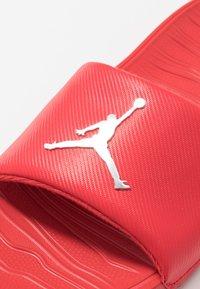 Jordan - JORDAN BREAK SLIDE - Mules - university red/metallic silver - 5