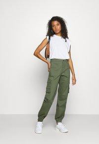 Tiger Mist - ASHER PANT - Cargo trousers - khaki - 1