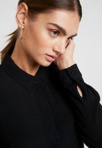 Minimum - BINDIE DRESS - Shirt dress - black - 6