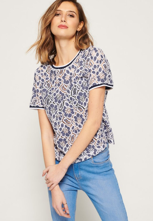 TORI - Blouse - denim blue/cream