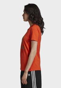 adidas Originals - TREFOIL TEE - T-shirt print - energy orange/cardboard - 3