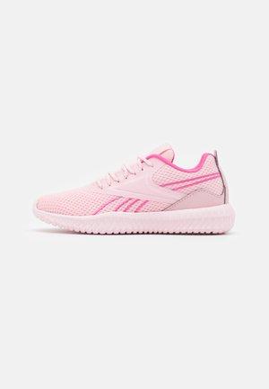 FLEXAGON ENERGY KIDS UNISEX - Chaussures d'entraînement et de fitness - pink glow/porcelain pink/true pink