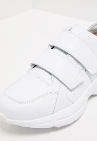 RISA - Trainers - white - 6