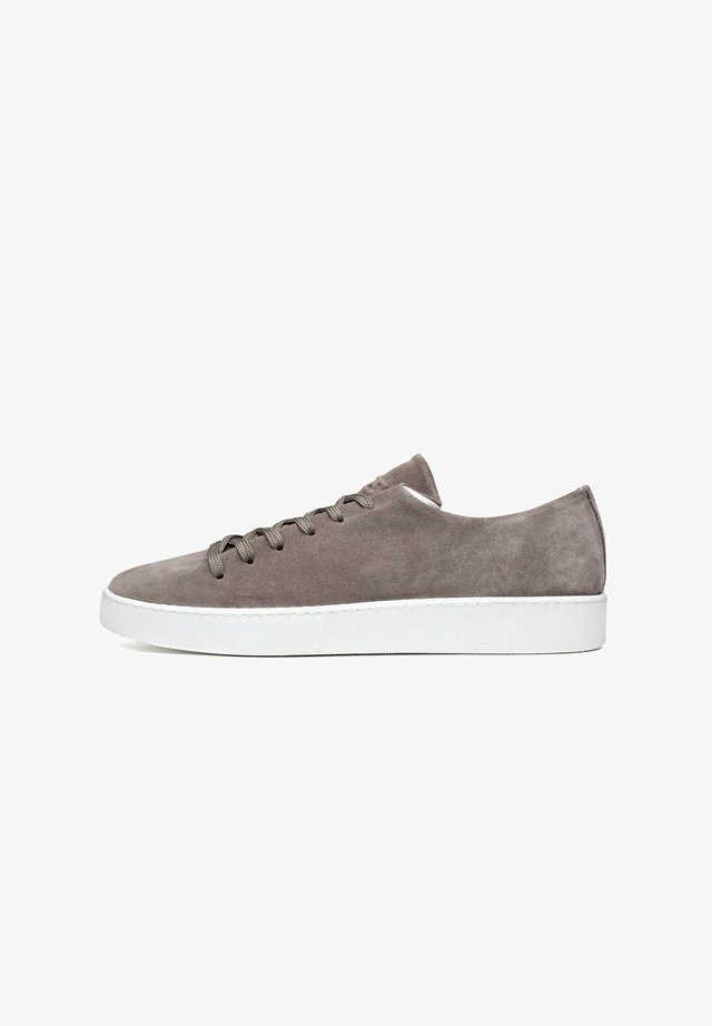 ONEPIECE - Sneakers laag - taupe