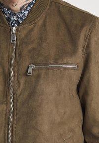 Redefined Rebel - RAFAEL JACKET - Imitatieleren jas - dark brown - 3