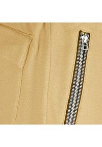 ONCE WE WERE WARRIORS - Shorts - beige - 2